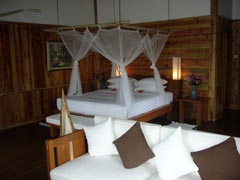 hotel treasure inle lake myanmar burma
