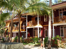 royal beach hotel ngapali