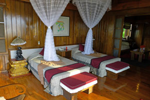 royal villa inle resort twin bed
