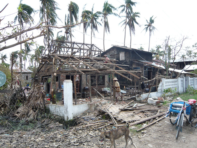 photo cyclone nargis village pyabon  let  9 au matin